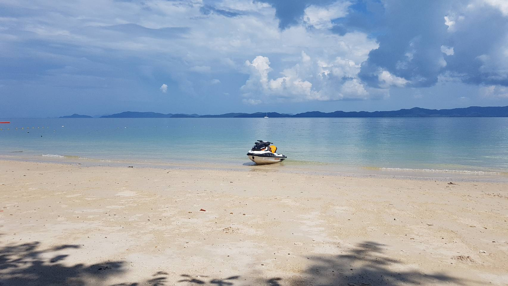 Naka Island & Pea Island Private Long Tail Boat Tour - One Day